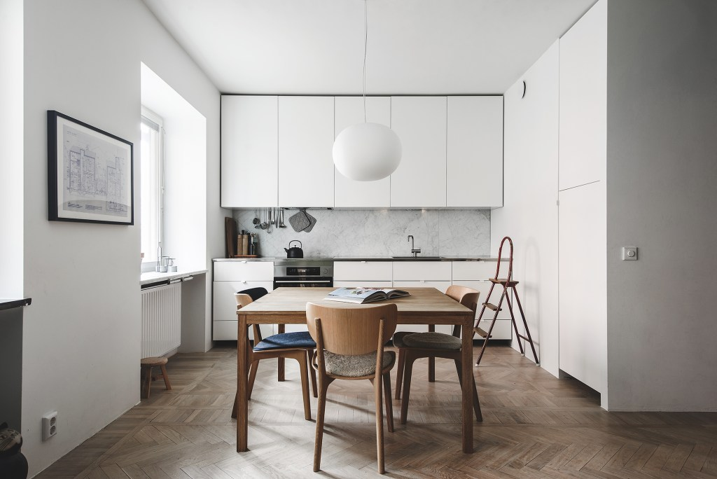 Kitchen in a natural look - via Coco Lapine Design blog