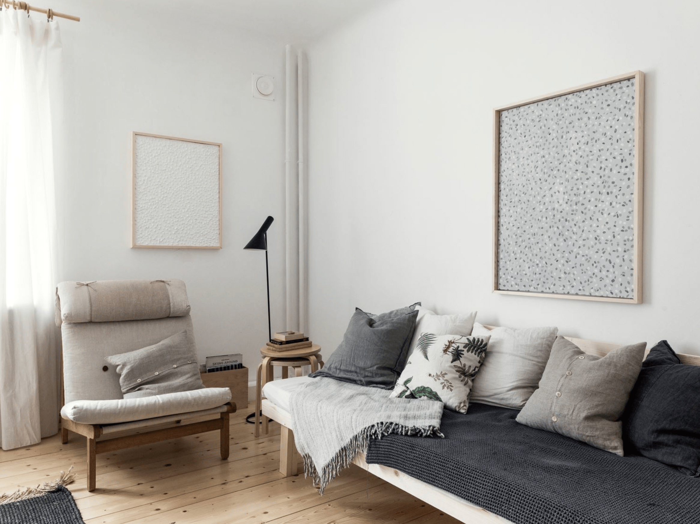Cozy home finished with wood accents - COCO LAPINE DESIGNCOCO LAPINE ...