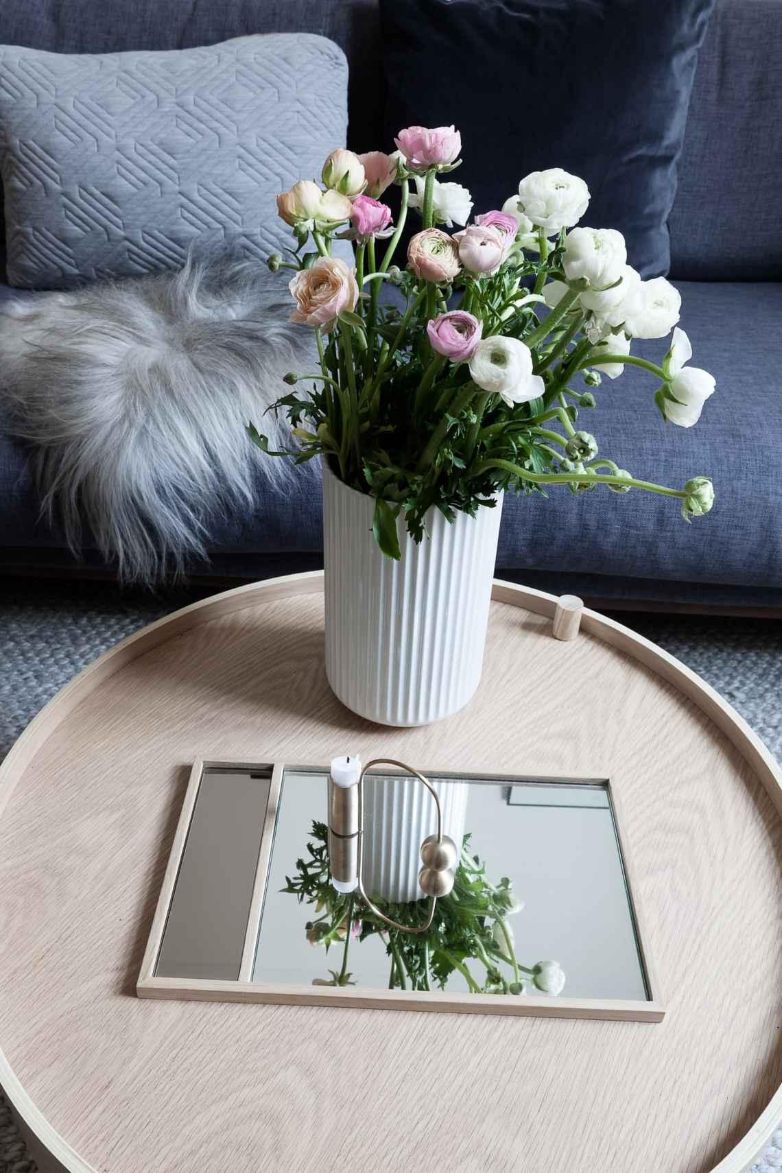 Spring flowers - via Coco Lapine Design blog