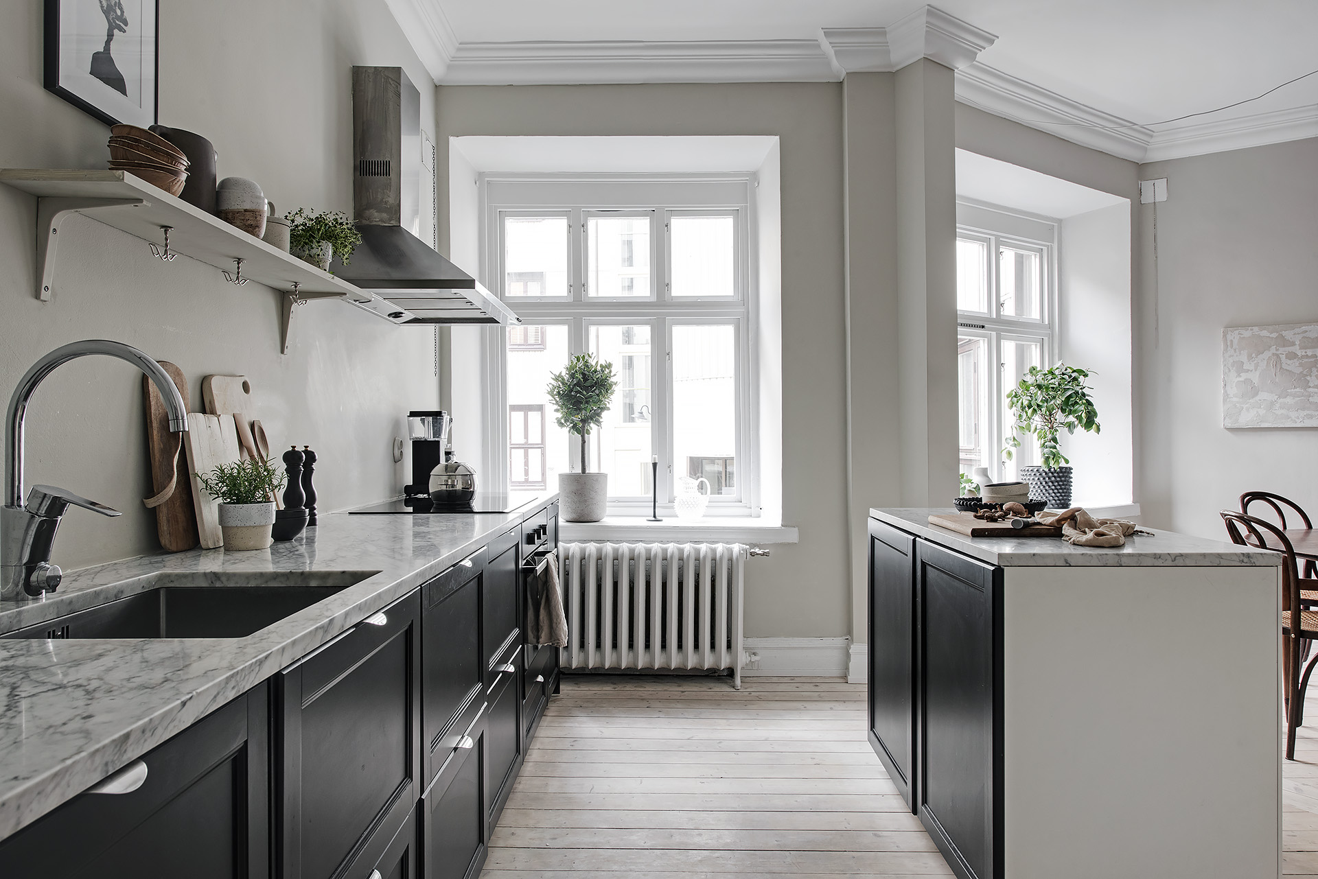 Stylish Home In Greige Coco Lapine Designcoco Lapine Design
