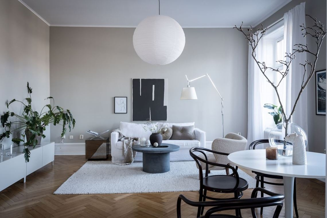 Cozy living room with greige walls
