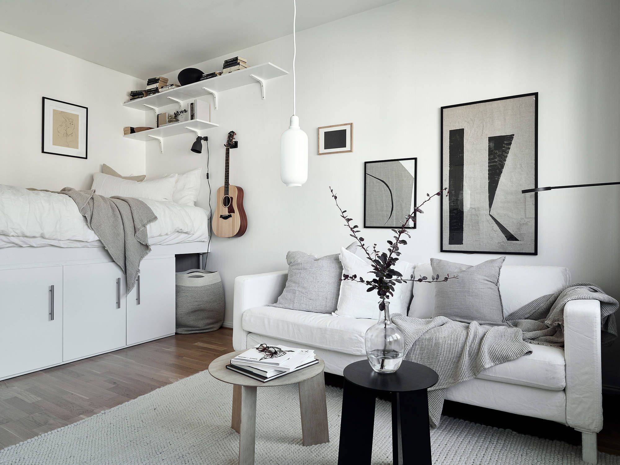 This Small Studio May Be Tiny In Square Meters, But Certainly Makes Up For  This In Style. Even Though The Decor Is Quite Minimal In Both Accessories  And ...