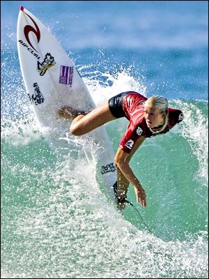http://i2.wp.com/coconutgirlwireless.files.wordpress.com/2008/05/bethany-hamilton-surfer-400a040207.jpg