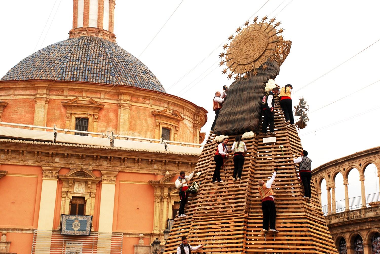 Dressing the Virgen de los Desamparados, March,Las Fallas, 2016