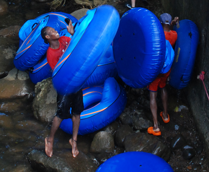 riving tubing in Dominica   ©Dan Convey