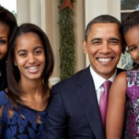 The Chicken & Jollof Rice Show - Sasha and Malia Ain't (Just) Black!!!