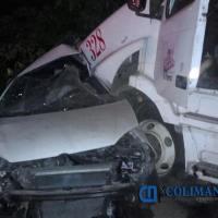 Trágico accidente automovilístico en Tecomán; muere joven tras conducir a exceso de velocidad