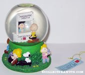 Peanuts Snowglobes | CollectPeanuts.com