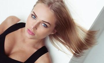 sexy-blonde-babes-10