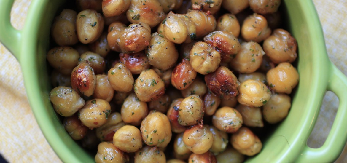 An unbelievably easy recipe for ranch roasted chickpeas - a must-try!
