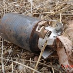 Resto de una submunición en racimo sin explotar. Foto CMC
