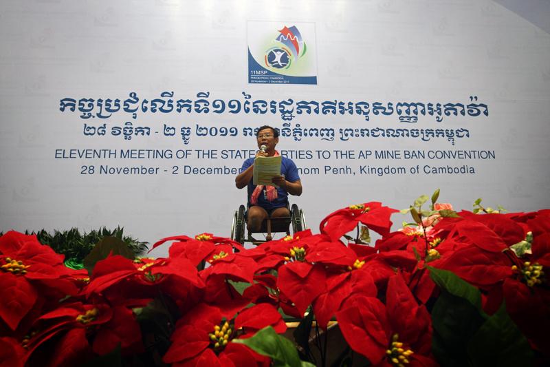 Tun Channereth, líder de la Campaña Camboyana contra las Minas Antipersonal, sobreviviente y embajador de la ICBL, durante su intervención en la 11 Reunión de Estados parte de la Convención © Giovanni Diffidenti/Di+ onlus