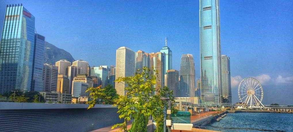 Skyline und Symphony of Lightsin Hongkong
