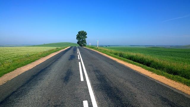 road-691127_640