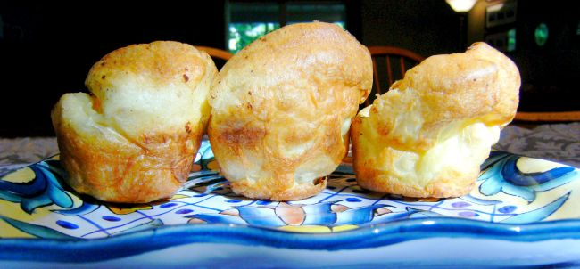 Super Easy Popovers | ComfortablyDomestic.com - Popovers are light and fluffy and perfect for serving with any comfort food dinner. Just 5 ingredients and only 5 minutes prep to get them into the oven, makes these super easy popovers!