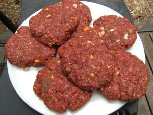 uncooked butter burgers - get the recipe at comfortablydomestic.com