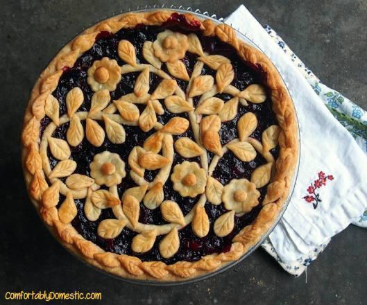 Very Berry Cherry Pie || ComfortablyDomestic.com