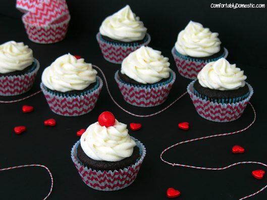 Coca Cola Cupcakes | ComfortablyDomestic.com