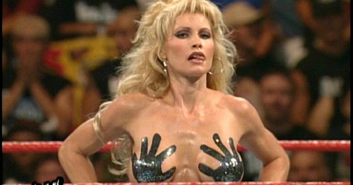 Top 10 Controversial WWE Divas