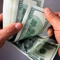 Dinero Dolares