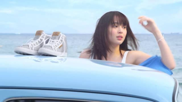 広瀬アリスが車の影で着替えをする姿にドキドキしてしまうABC-MARTのCM