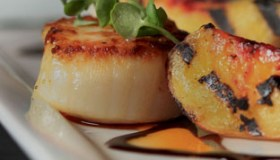 Scallops and peaches 1