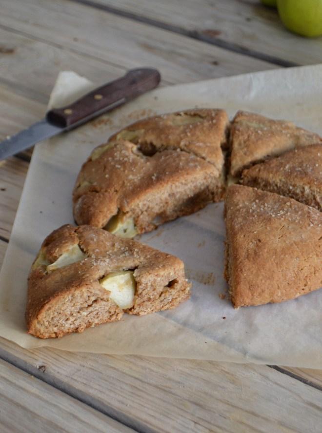 scones de maçã e aveia // apple oat scones