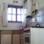 complejo_elvira-cabanas-cocina-comedor-22