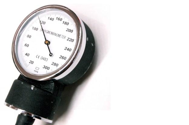 Primer plano de un manómetro