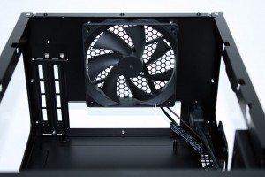 Antec ISK600 25 300x200 Antec ISK600 Review