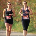 Mujeres haciendo deporte.