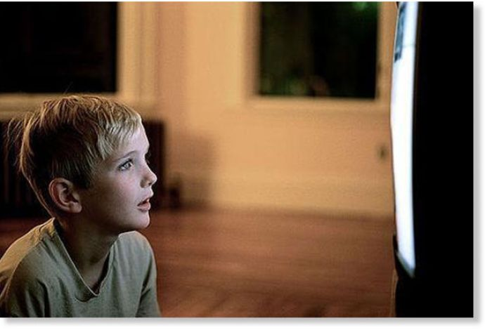 child_watching_tv