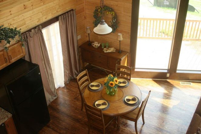 log home dining area