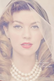 Retro Glam Bride