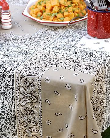 how to make a tablecloth look good