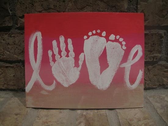 Idées pour la fête des mères : peinture de bébé