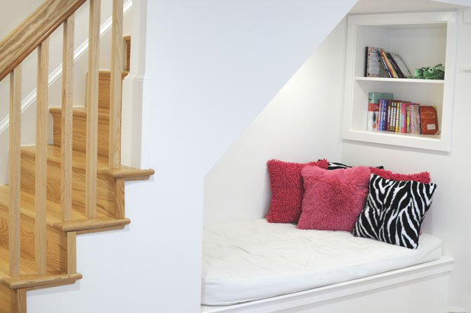5 Ideas for using the space under your stairs
