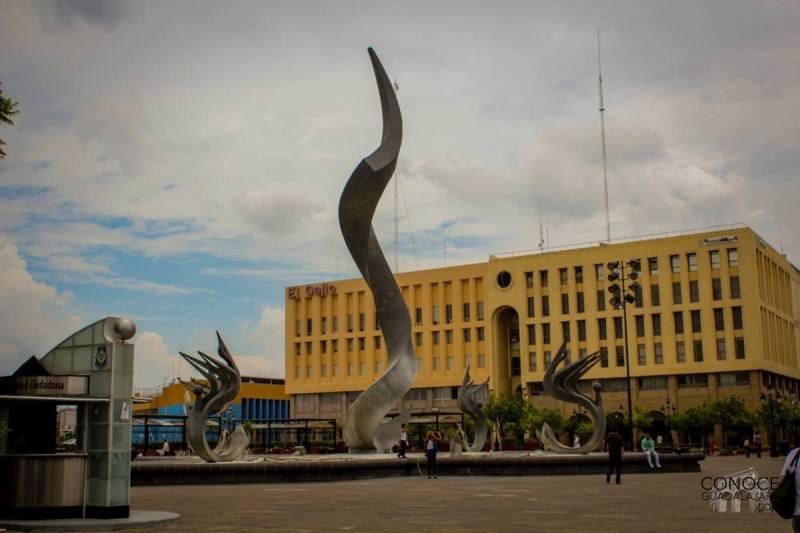 plaza-tapatia