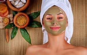 WomanInFaceMask900-850x538