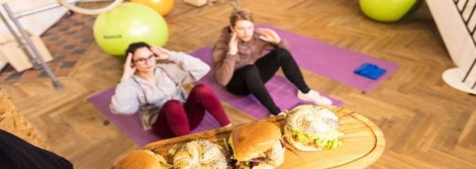 'Run For Your Bun' Cafe Offers Free Food To Patrons Who Exercise