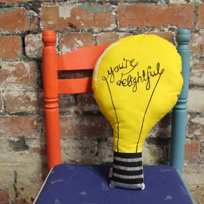 light-bulb-cushion