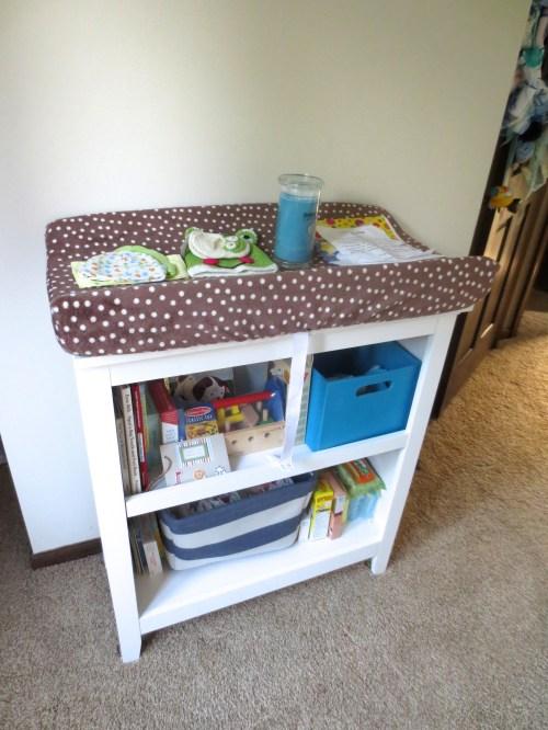 construction2style, baby nursery, baby bookshelf