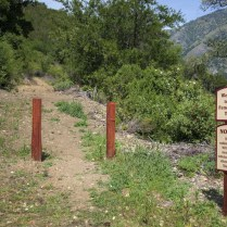 Entrance to the Fence Loop Trail.