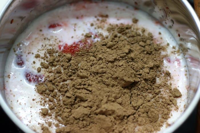 strawberry hot chocolate step 2