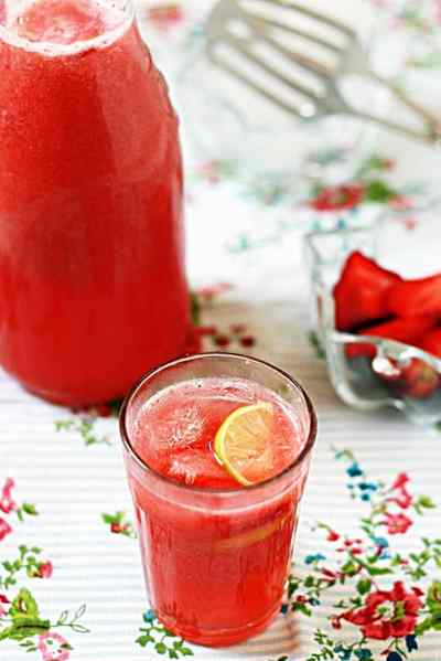 Strawberry lemonade recipe | summer drink recipes