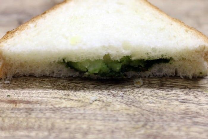bread pakora recipe with pota stuffing step 5