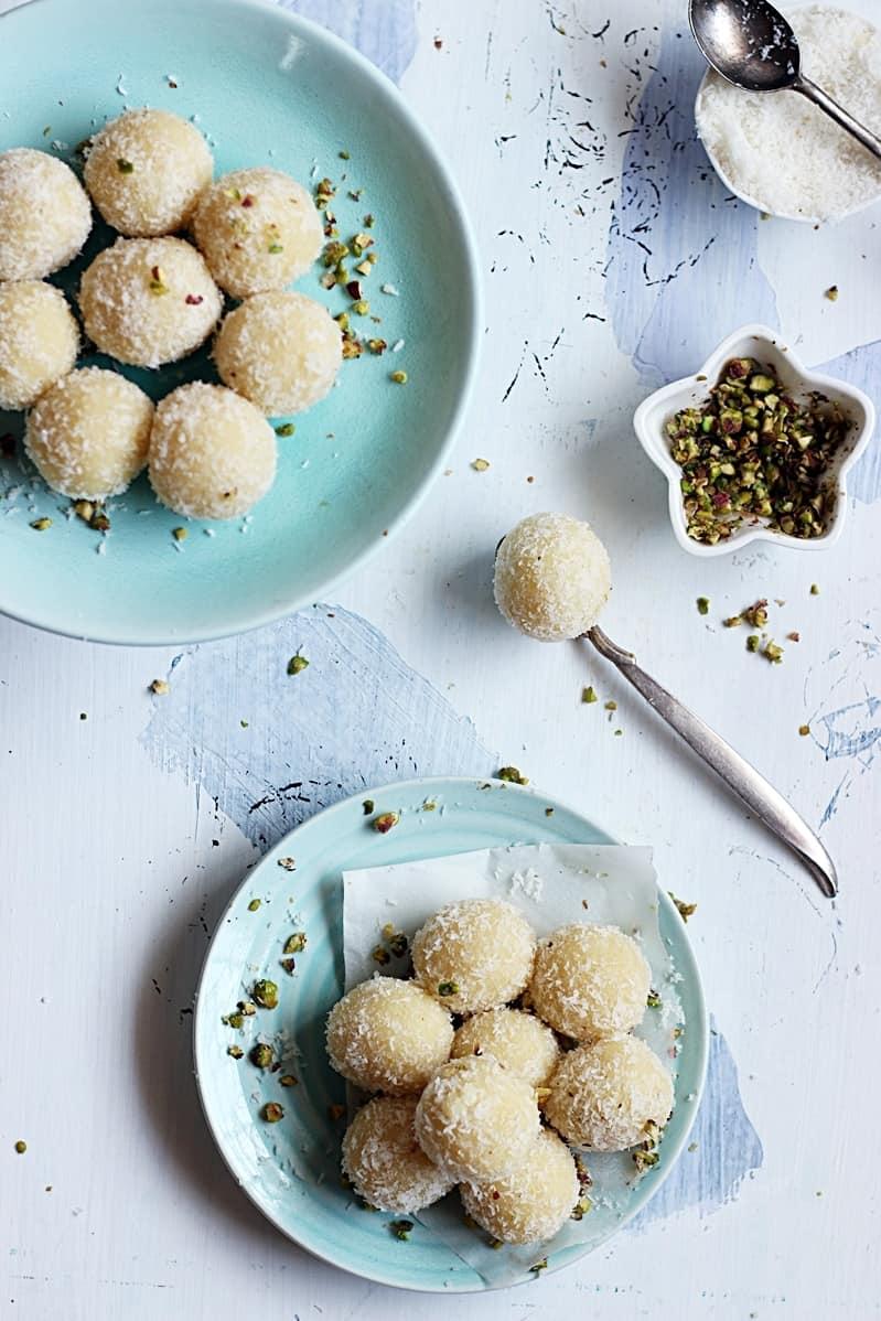 coconut-khoya-laddu-recipe-e