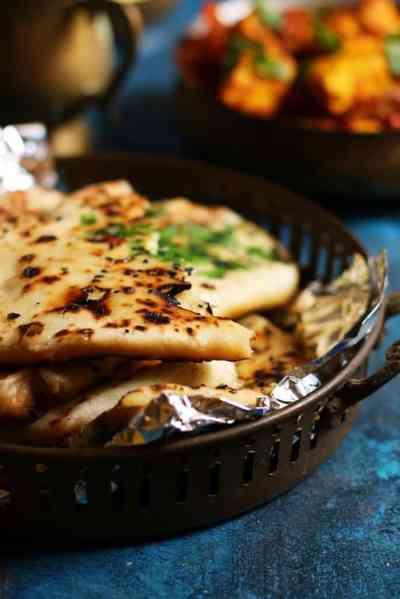 Aloo kulcha recipe | Amritsari kulcha recipe, how to make kulcha on tawa.