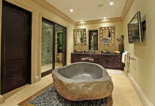 Hawaiian bathroom