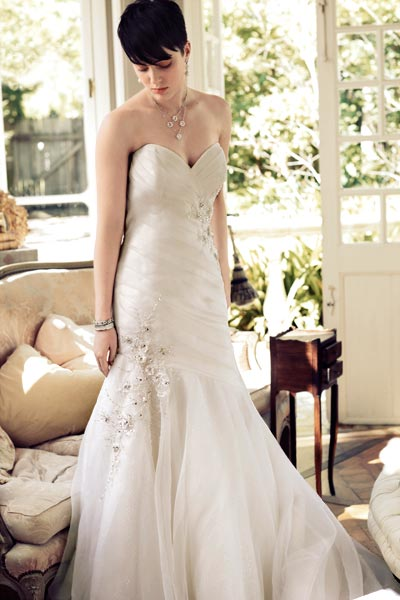 bridal-fashion-couture-high-society-mon-cheri-wedding-dress